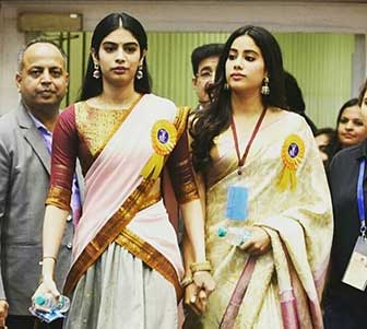 Khushi-Kapoor-with-Janhavi