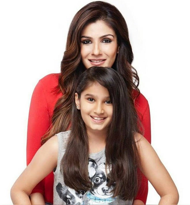 Rasha Thadani with Mom Raveena