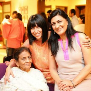 Meesha Shafi with her mother and grandma