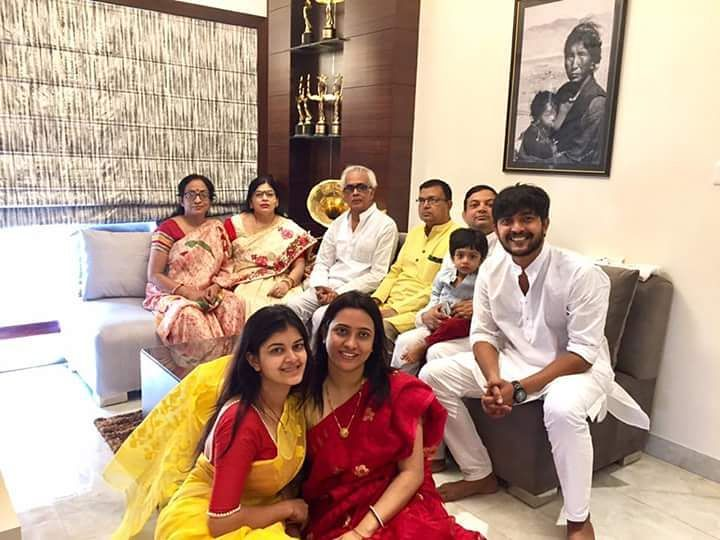 Madhumita with full family