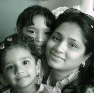 Sandeep Toshniwal Ex wife Ashrita and Daughters