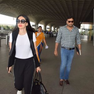Sandeep Toshniwal Sported with Karisma Kapoor in Chhatrapati Shivaji International Airport